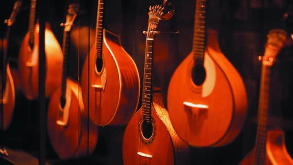 Portuguese guitar, Fado